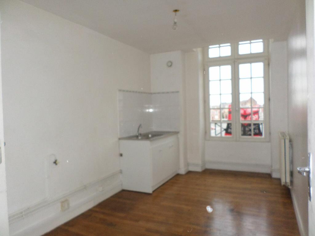 Achat Appartement 4 pièces à La Fère - vignette-3