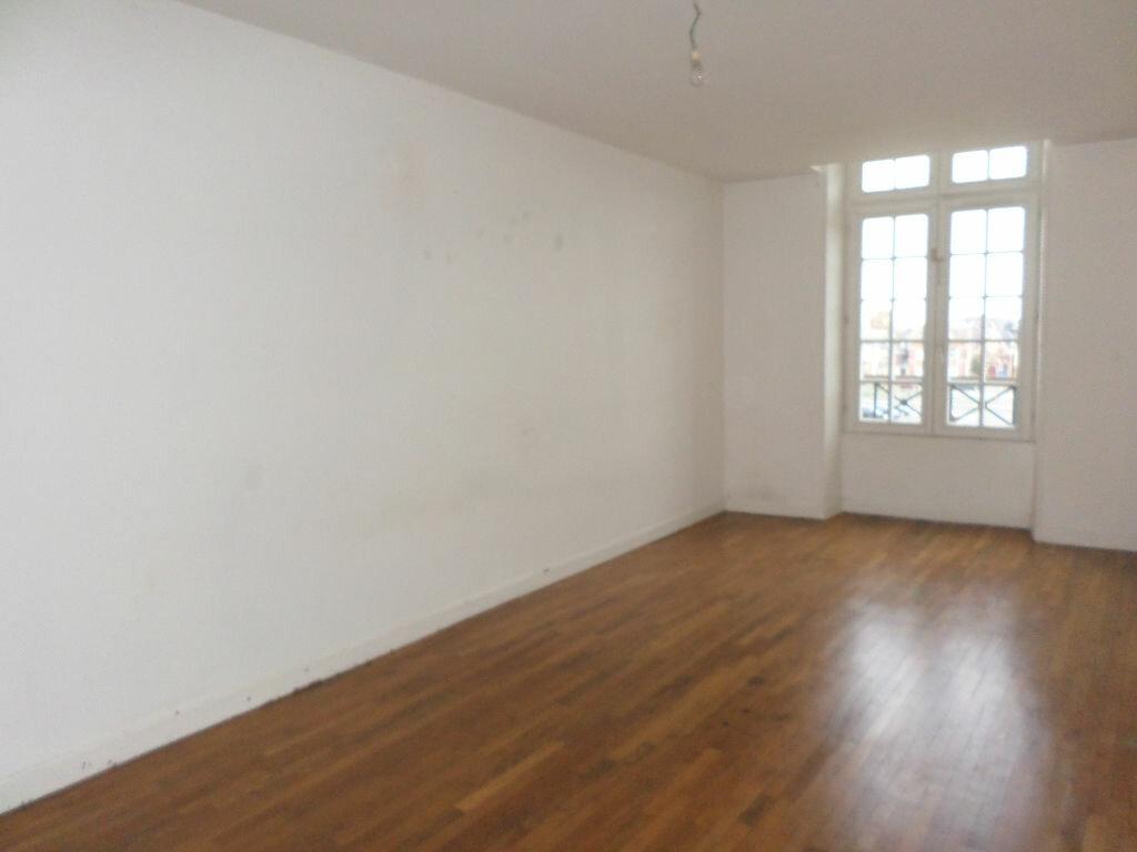 Achat Appartement 4 pièces à La Fère - vignette-4