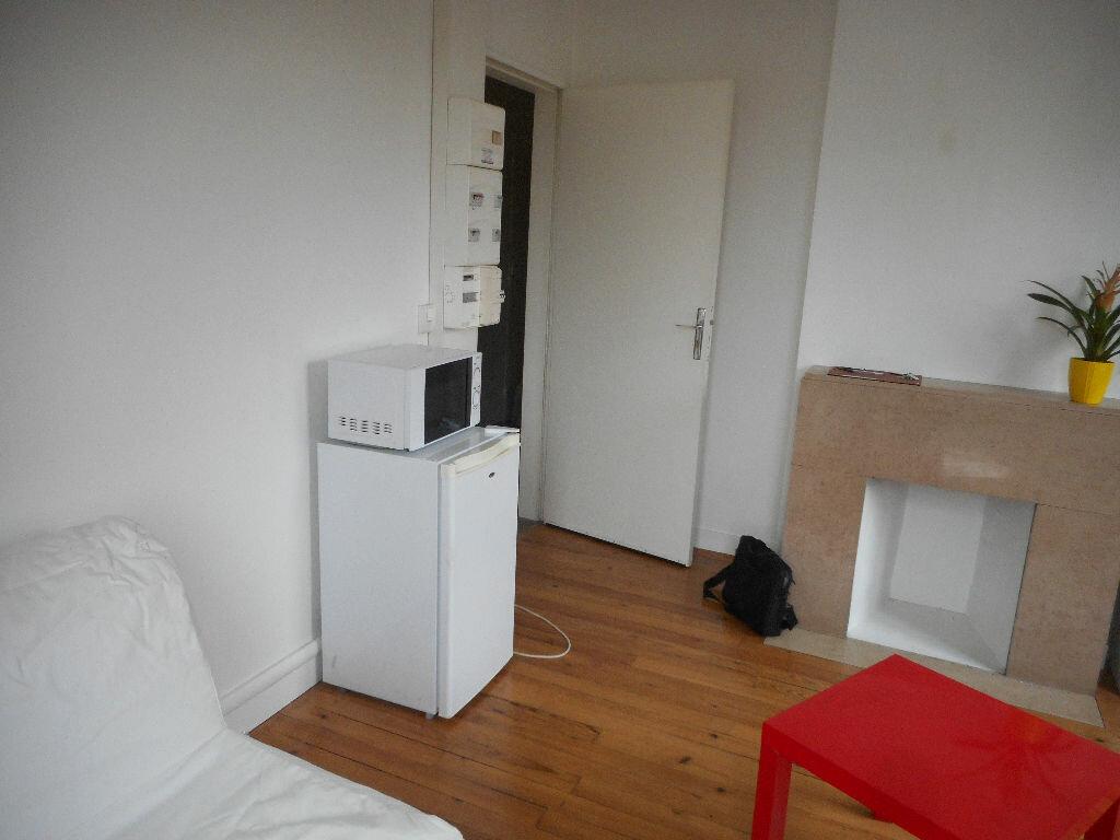 Location Appartement 1 pièce à Amiens - vignette-3