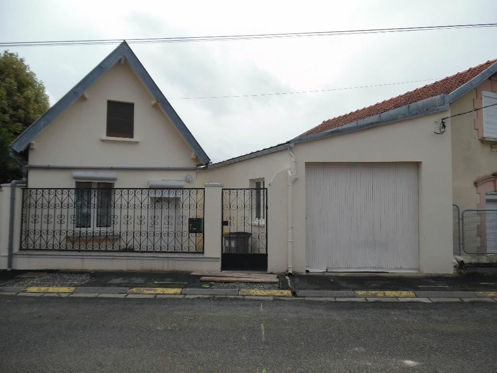 Achat Maison 4 pièces à Neuville-Saint-Amand - vignette-1