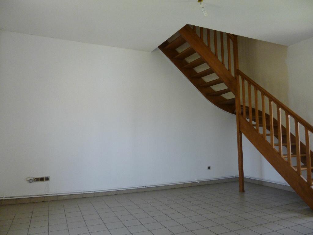 Location Appartement 3 pièces à Jussy - vignette-3