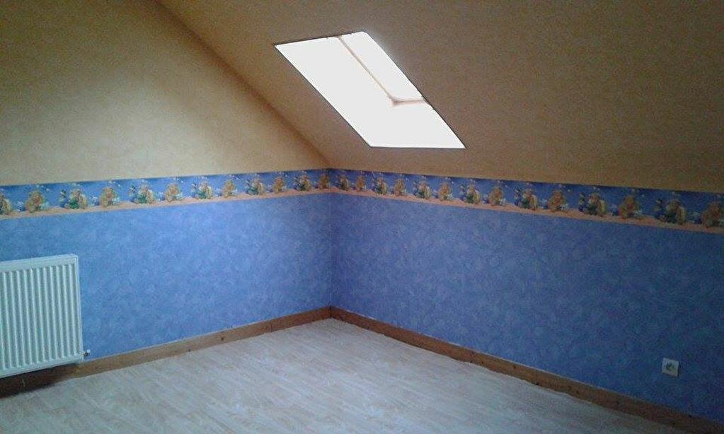 Location Maison 4 pièces à Tergnier - vignette-3
