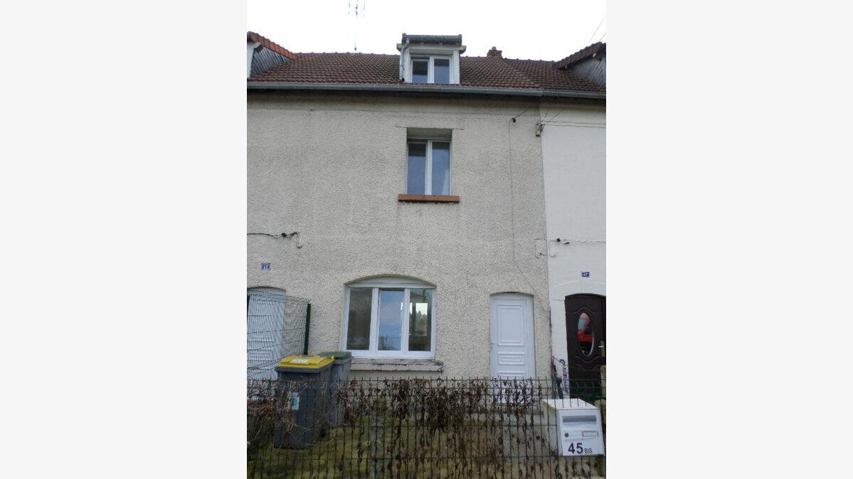 Location Maison 5 pièces à Beautor - vignette-1
