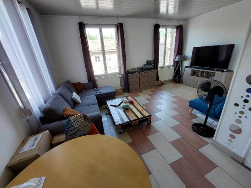 Location Appartement 3 pièces à Beautor - vignette-1