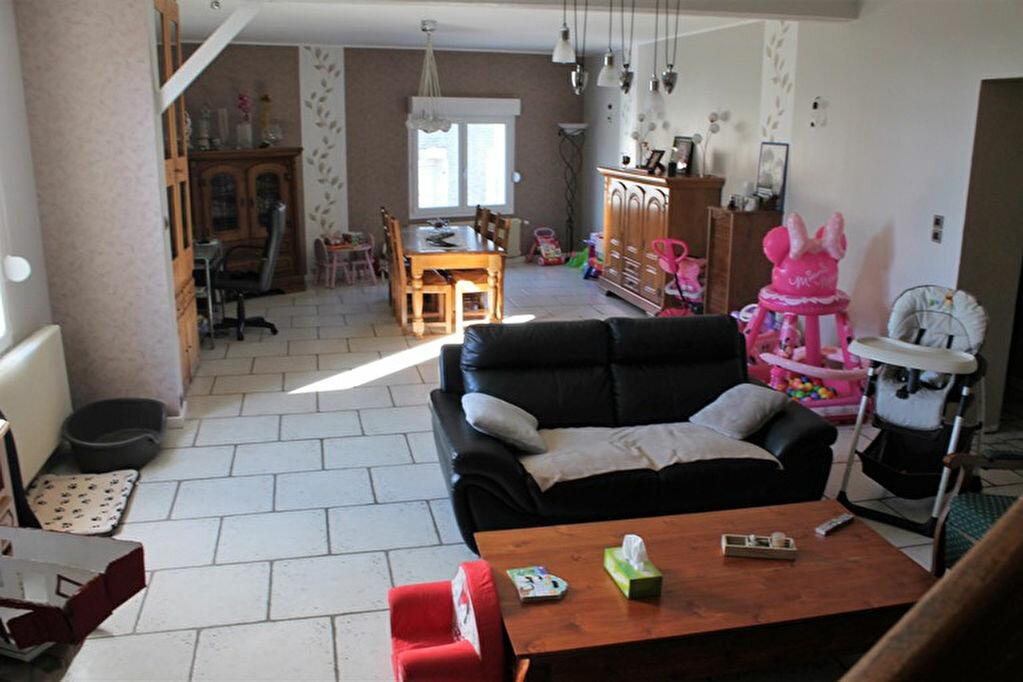 Achat Maison 6 pièces à Montbrehain - vignette-1