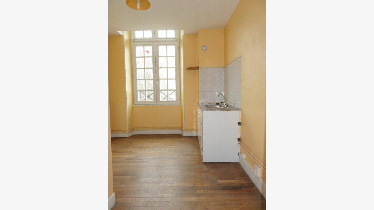 Achat Appartement 3 pièces à La Fère - vignette-2