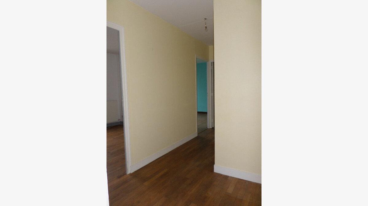 Achat Appartement 3 pièces à La Fère - vignette-3