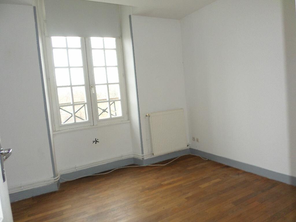 Achat Appartement 3 pièces à La Fère - vignette-4