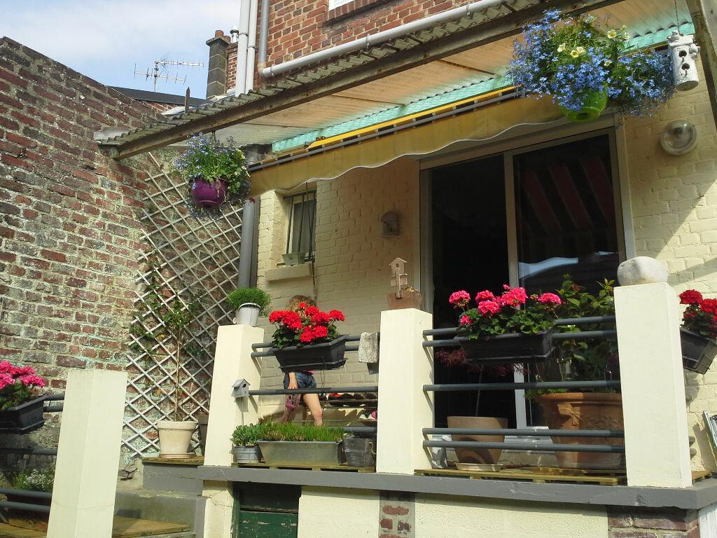 Achat Maison 8 pièces à Saint-Quentin - vignette-1