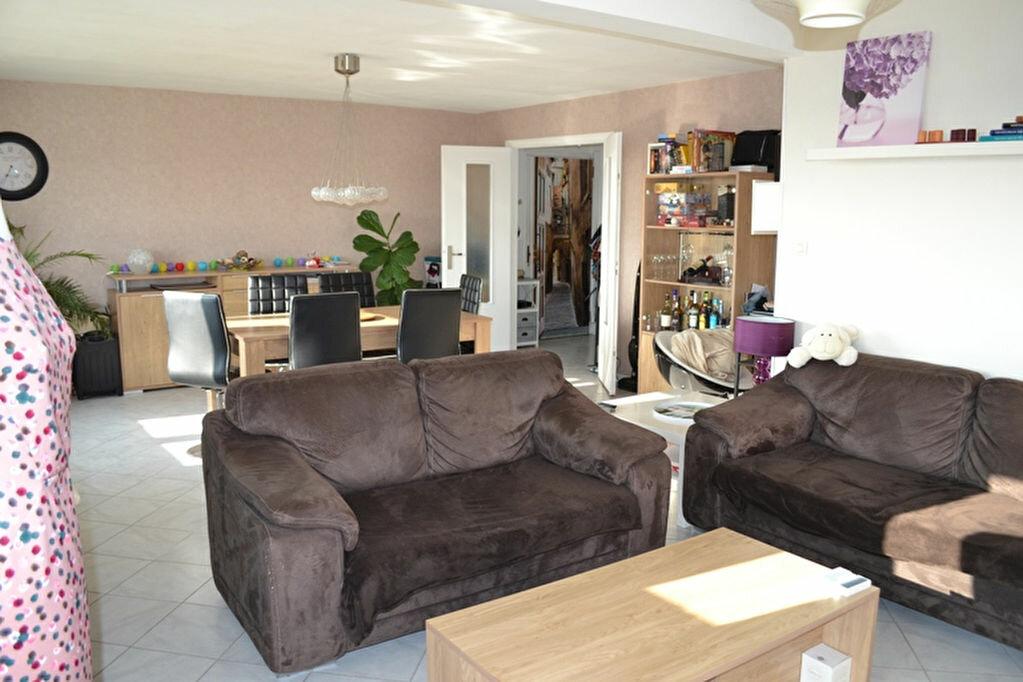 Achat Appartement 4 pièces à Saint-Quentin - vignette-6