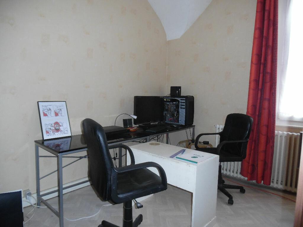 Achat Maison 4 pièces à Saint-Quentin - vignette-6