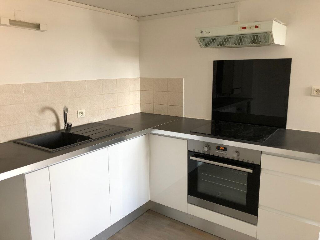 Location Appartement 3 pièces à Tergnier - vignette-1