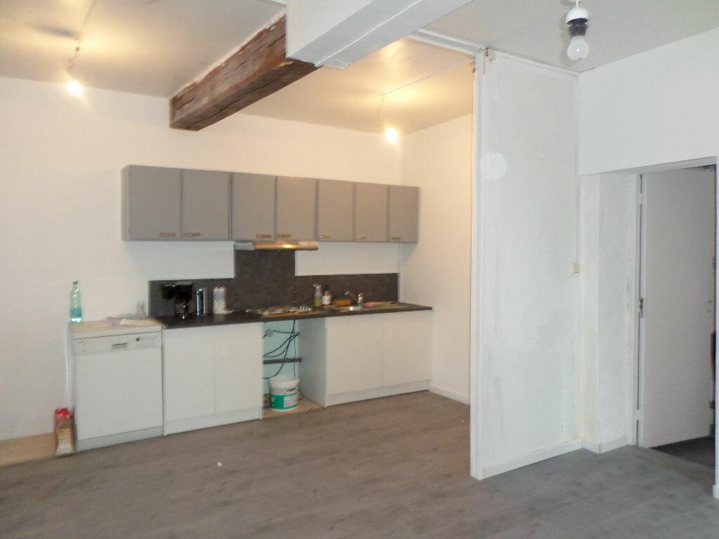 Location Appartement 4 pièces à La Fère - vignette-2
