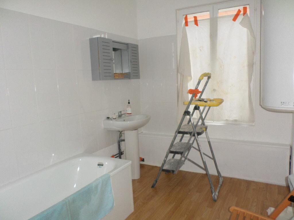 Location Appartement 4 pièces à La Fère - vignette-4