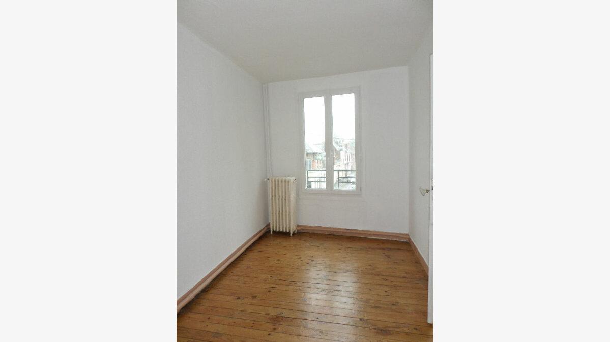 Location Appartement 4 pièces à La Fère - vignette-6
