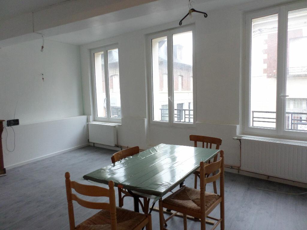 Location Appartement 4 pièces à La Fère - vignette-8