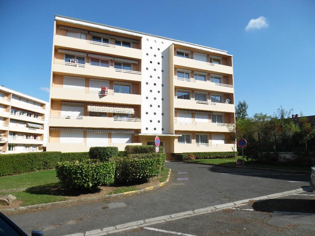 Achat Appartement 4 pièces à Saint-Quentin - vignette-1