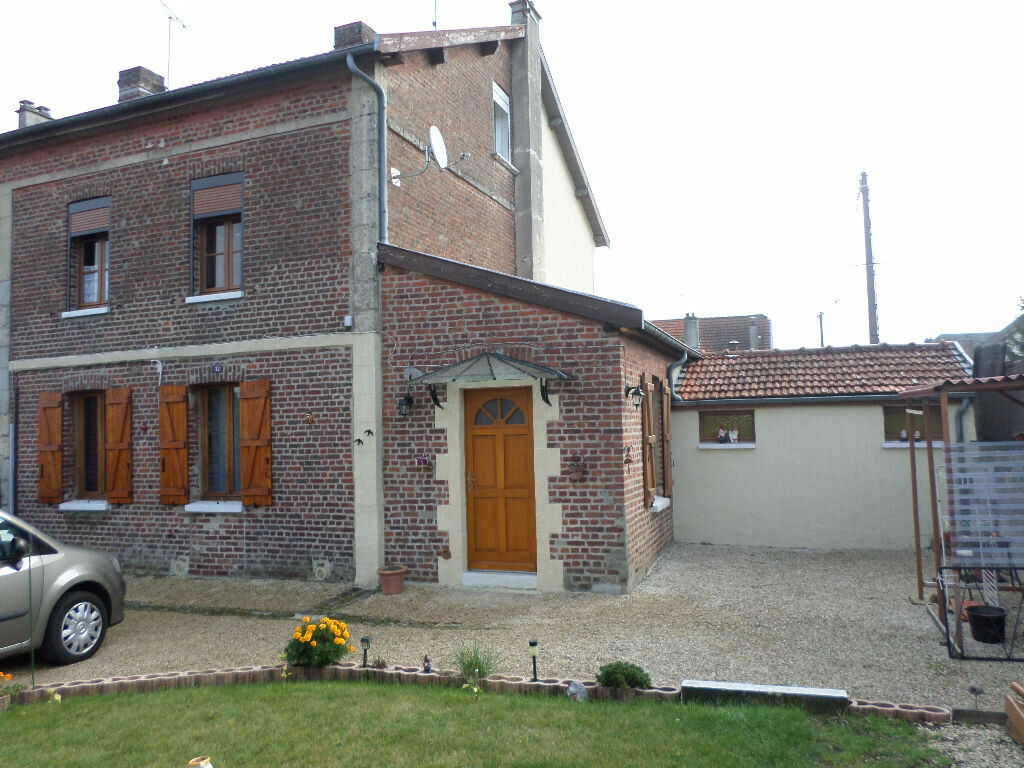 Achat Maison 4 pièces à Saint-Gobain - vignette-1