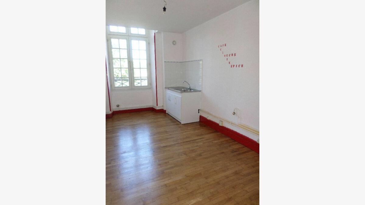 Achat Appartement 4 pièces à La Fère - vignette-2