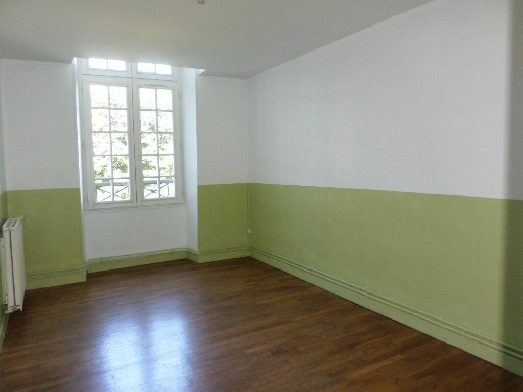 Achat Appartement 4 pièces à La Fère - vignette-5
