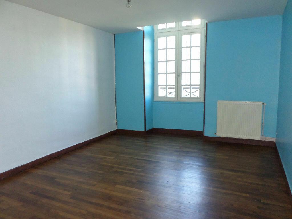 Achat Appartement 4 pièces à La Fère - vignette-6