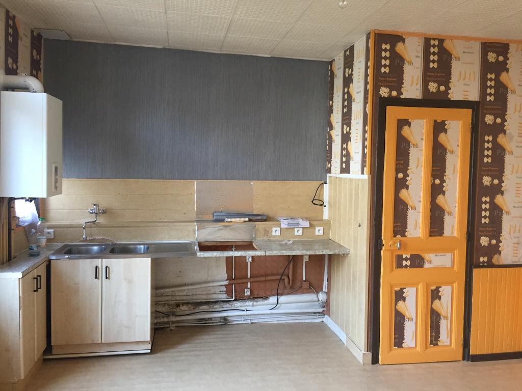 Location Appartement 3 pièces à Saint-Quentin - vignette-3