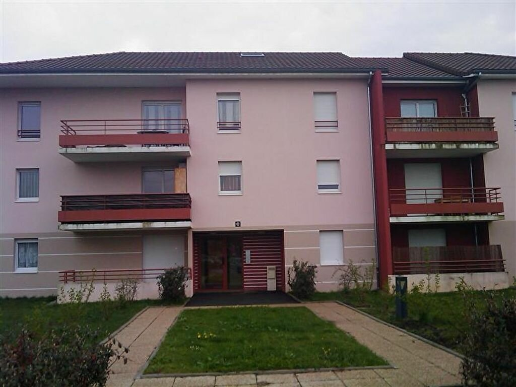 Location Appartement 3 pièces à Aoste - vignette-1