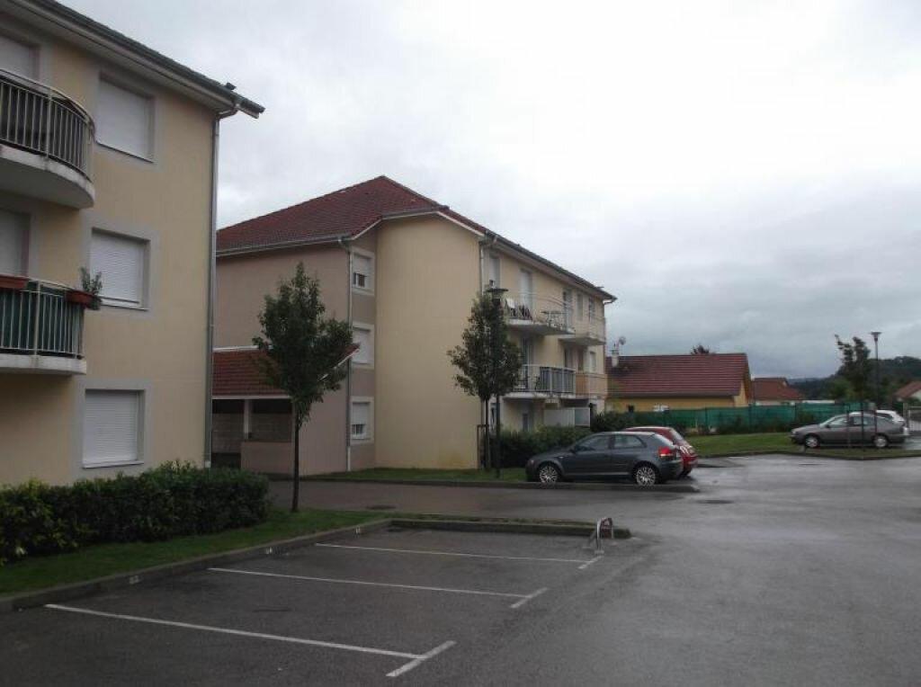 Location Appartement 3 pièces à Morestel - vignette-1