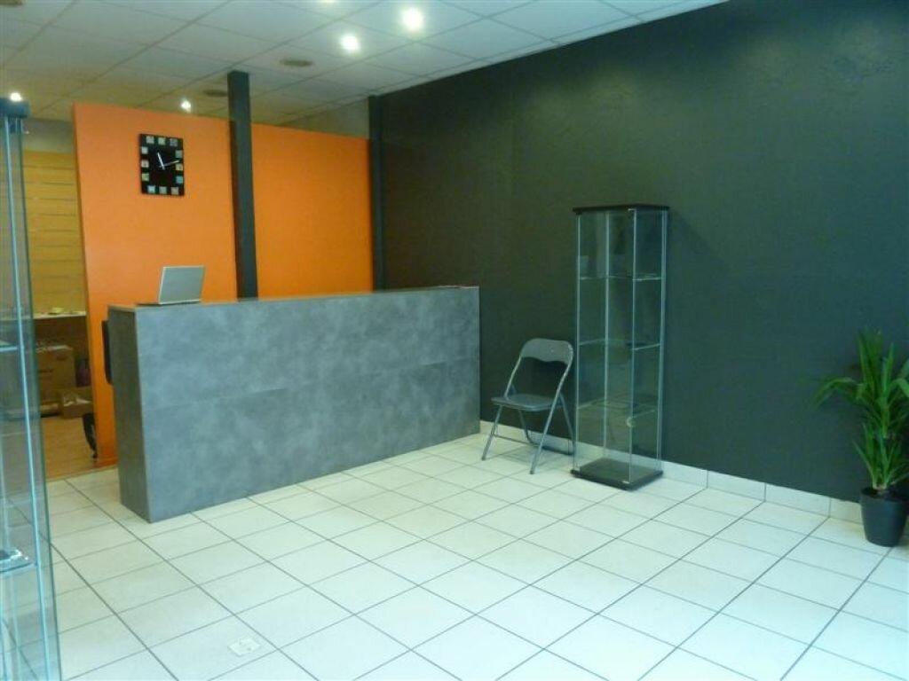 Location Local commercial  à Voiron - vignette-1