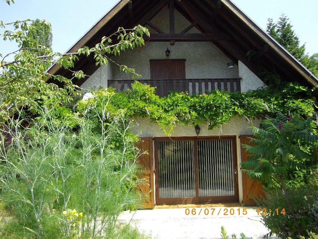 Location Maison 4 pièces à Quaix-en-Chartreuse - vignette-1