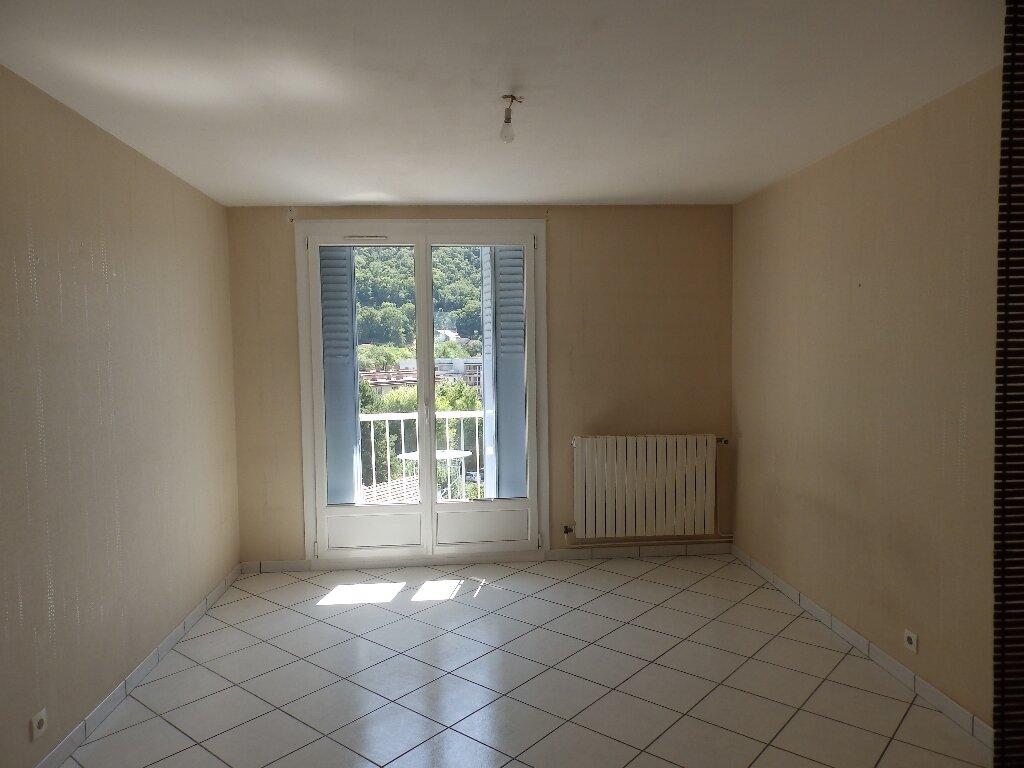 Location Appartement 3 pièces à Saint-Égrève - vignette-1
