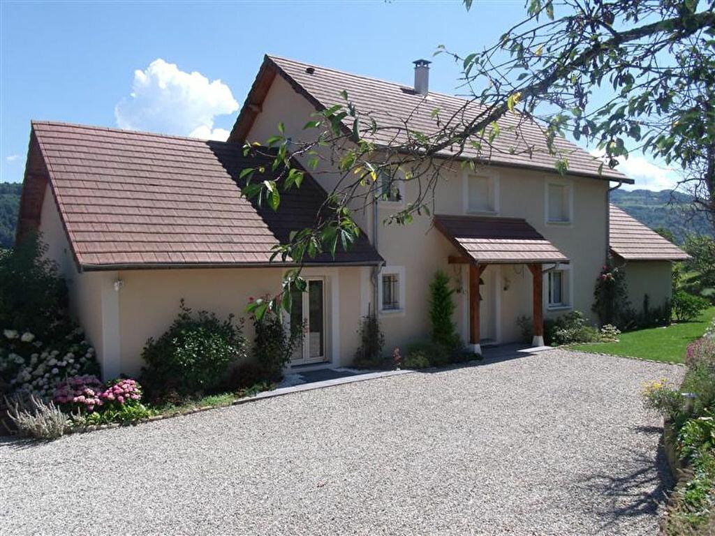 Achat Maison 7 pièces à Saint-Geoire-en-Valdaine - vignette-1