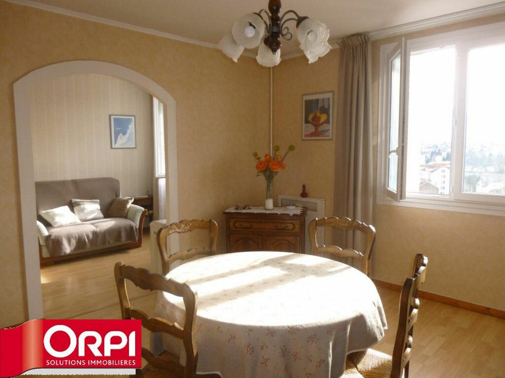 Achat Appartement 4 pièces à Voiron - vignette-1