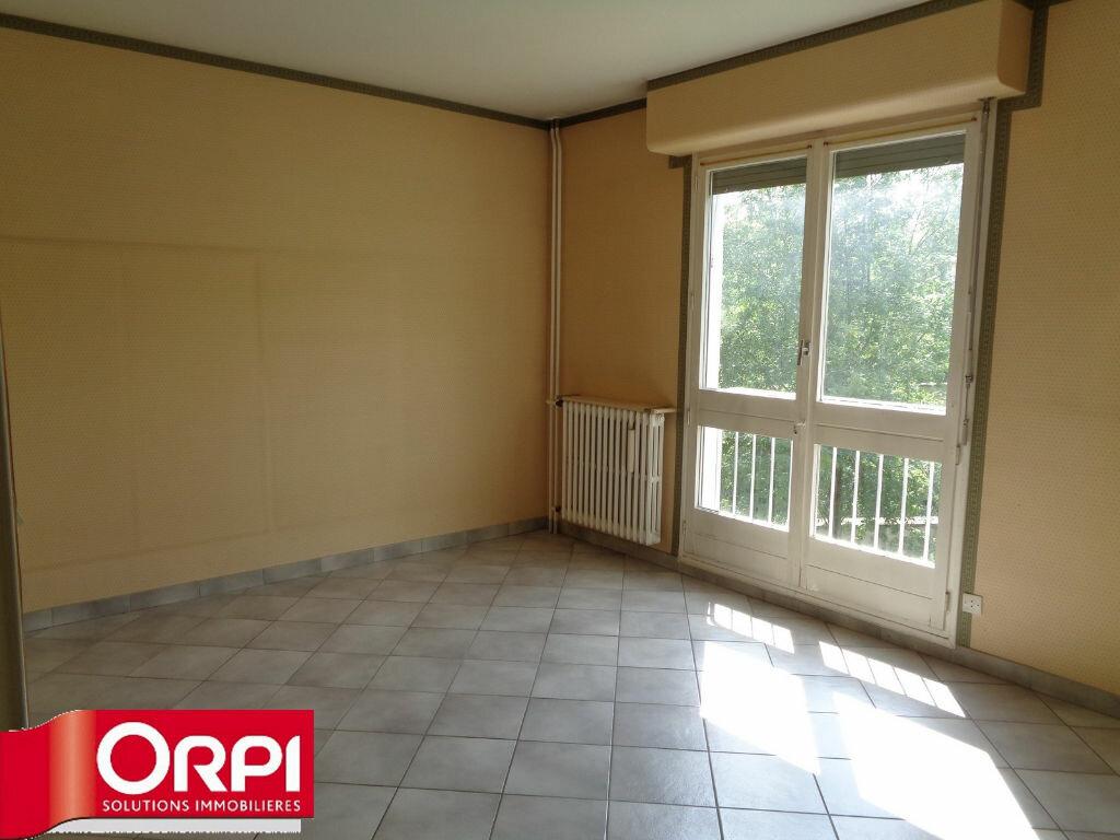 Achat Appartement 3 pièces à Voiron - vignette-3