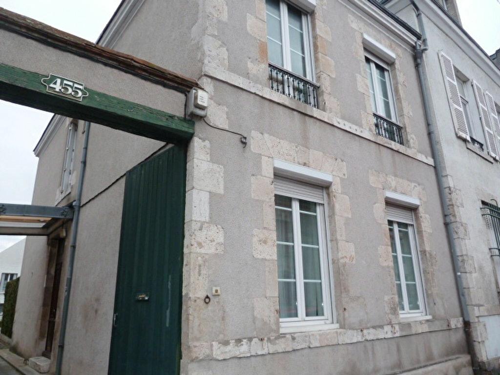 Location Maison 5 pièces à Fleury-les-Aubrais - vignette-1
