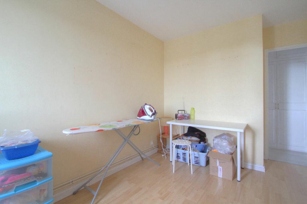 Achat Appartement 4 pièces à La Chapelle-Saint-Mesmin - vignette-6
