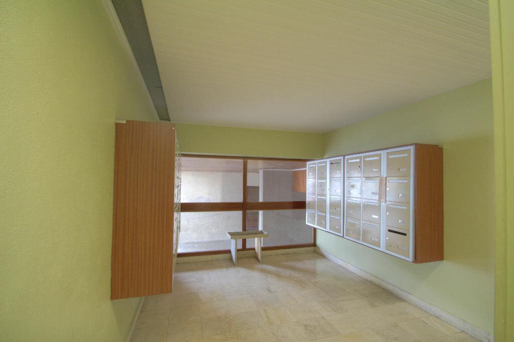 Achat Appartement 4 pièces à Orléans - vignette-11
