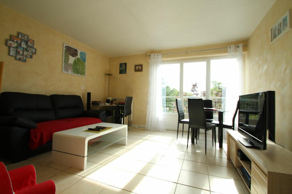 Achat Appartement 3 pièces à La Chapelle-Saint-Mesmin - vignette-1