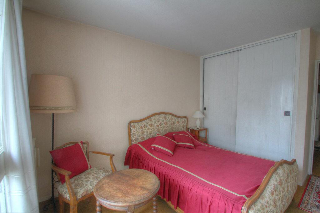 Achat Appartement 5 pièces à Fleury-les-Aubrais - vignette-4