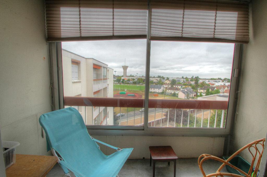 Achat Appartement 5 pièces à Fleury-les-Aubrais - vignette-5