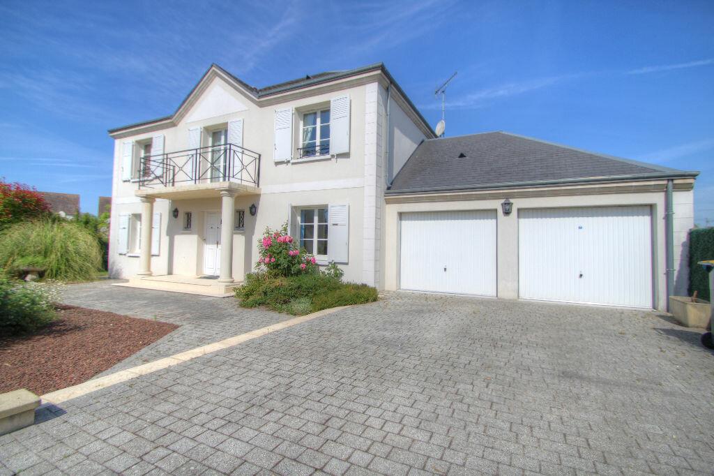 Achat Maison 6 pièces à Saint-Jean-de-la-Ruelle - vignette-1