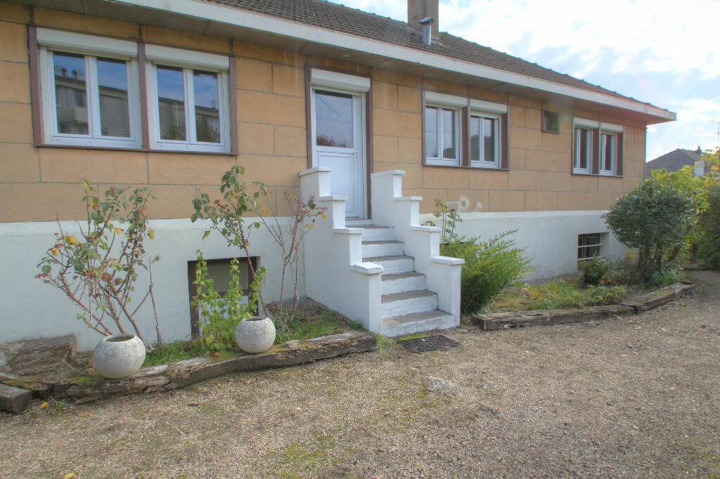 Achat Maison 5 pièces à Fleury-les-Aubrais - vignette-1