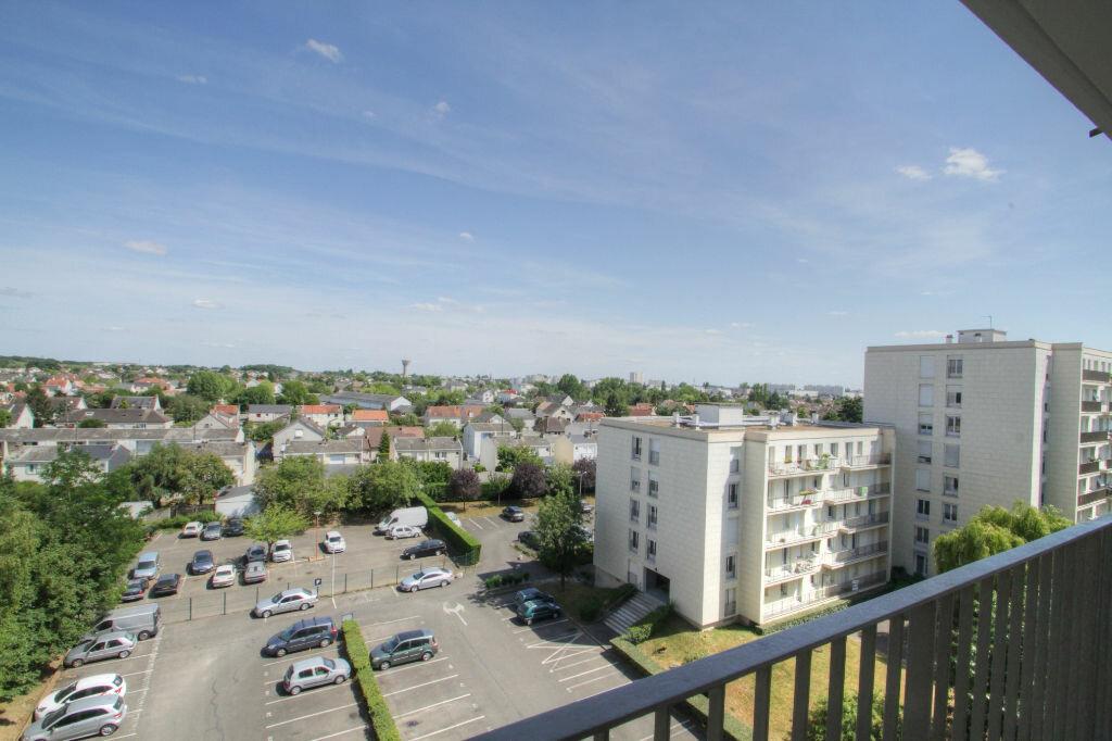 Achat Appartement 3 pièces à Fleury-les-Aubrais - vignette-7