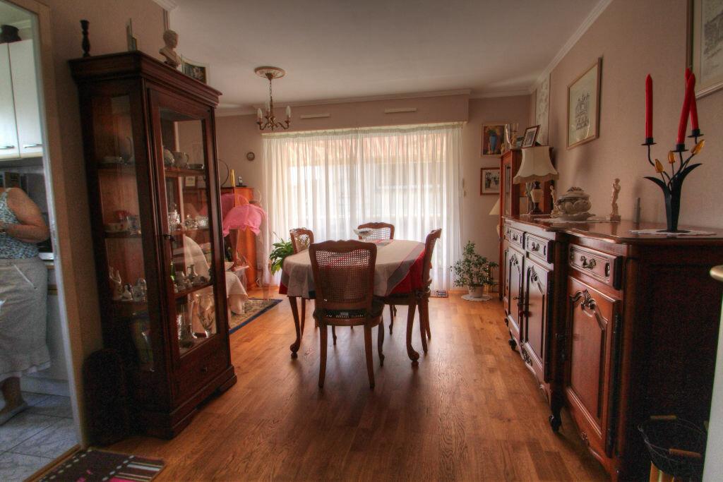 Achat Appartement 4 pièces à Orléans - vignette-10