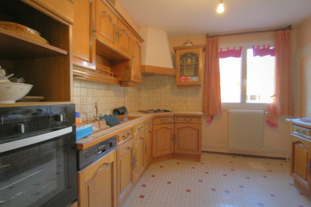 Achat Appartement 5 pièces à La Chapelle-Saint-Mesmin - vignette-4