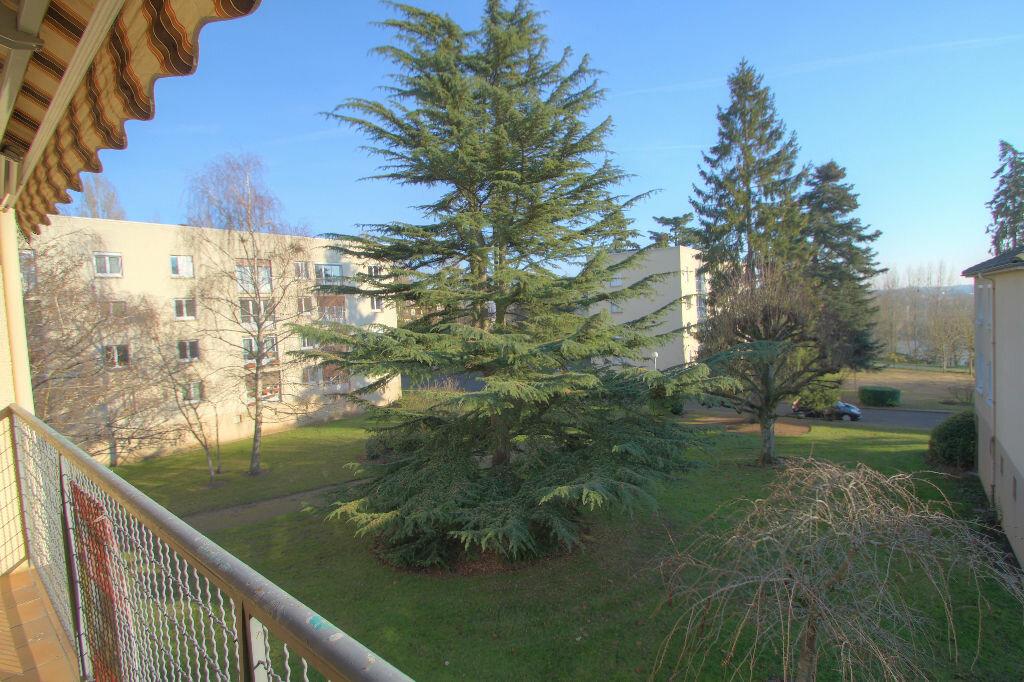 Achat Appartement 5 pièces à La Chapelle-Saint-Mesmin - vignette-6