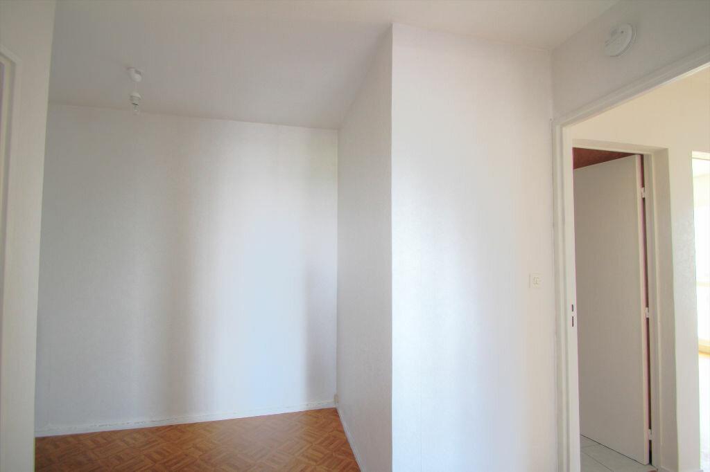 Achat Appartement 4 pièces à Fleury-les-Aubrais - vignette-10