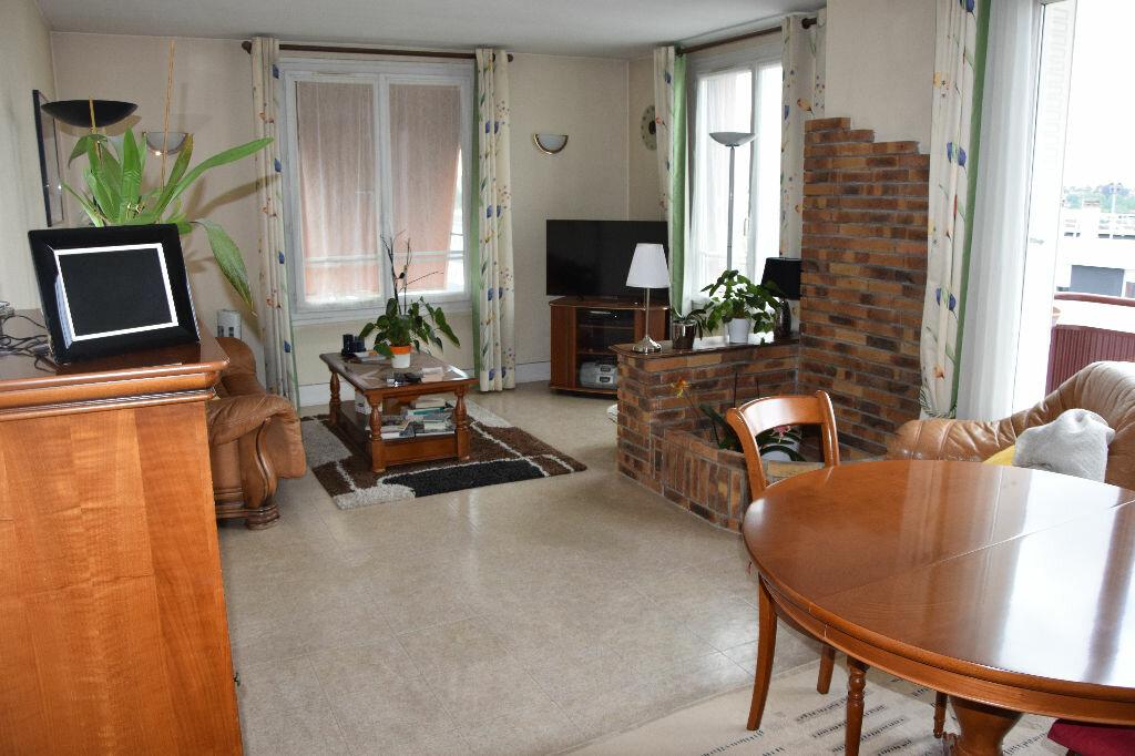 Achat Appartement 5 pièces à Champigny-sur-Marne - vignette-1