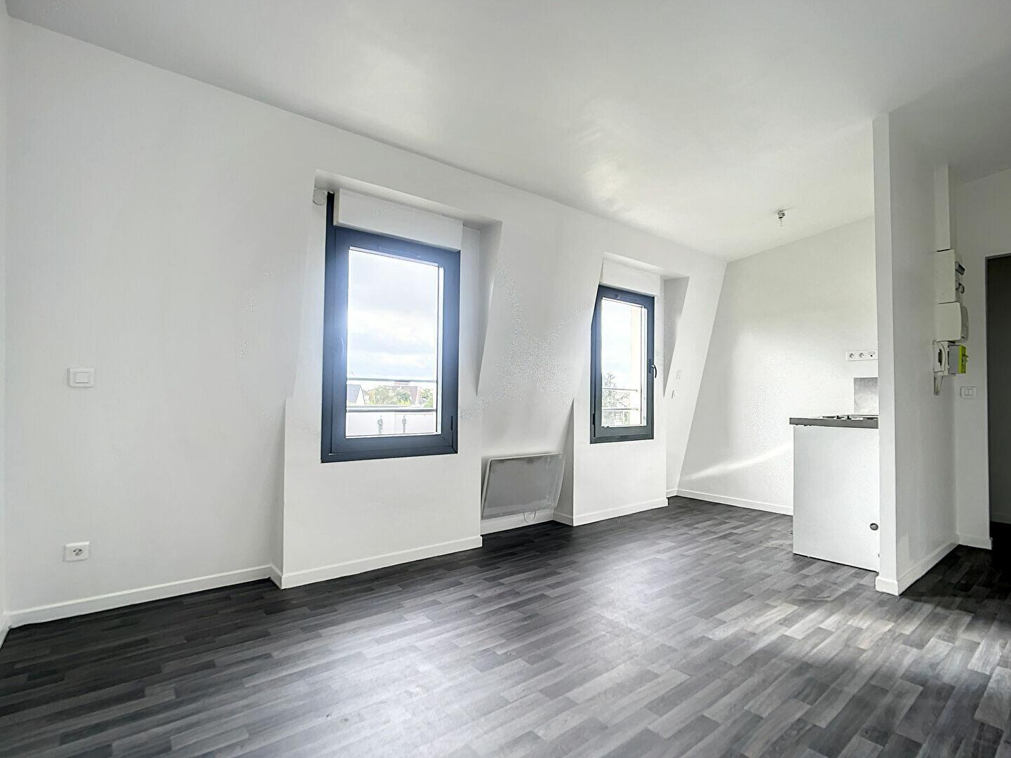 Location Appartement 1 pièce à Joinville-le-Pont - vignette-2