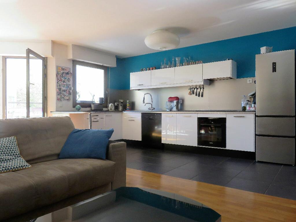 Achat Appartement 6 pièces à Joinville-le-Pont - vignette-2